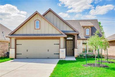Navasota Single Family Home For Sale: 2004 Birdie Court