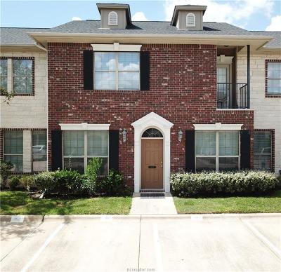 College Station Condo/Townhouse For Sale: 404 Forest Drive