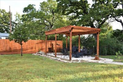 Burleson County Single Family Home For Sale: 412 Leaning Oak Lane