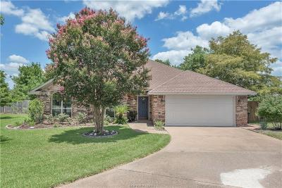 College Station Single Family Home For Sale: 3801 Gold Finch