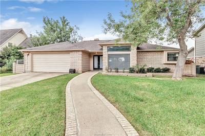College Station Single Family Home For Sale: 1812 Rosebud Court