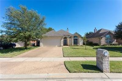 College Station Single Family Home For Sale: 320 Robelmont Drive
