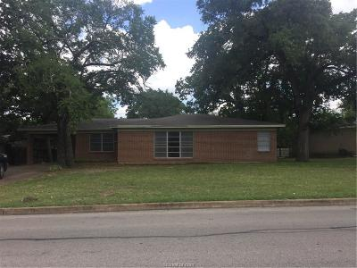 Bryan Single Family Home For Sale: 705 Esther Boulevard