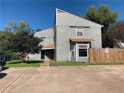 Brazos County Multi Family Home For Sale: 1425 Hawk Tree Drive