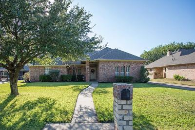 Bryan Single Family Home For Sale: 2216 East Briargate Drive