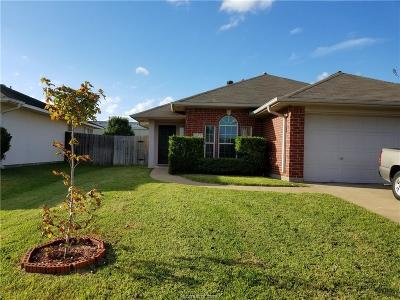 College Station Single Family Home For Sale: 605 Plano Drive