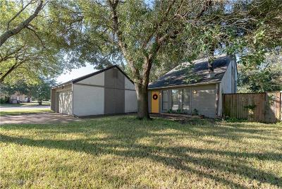 College Station Single Family Home For Sale: 3018 Pierre Place