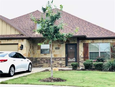 College Station Condo/Townhouse For Sale: 3015 Papa Bear