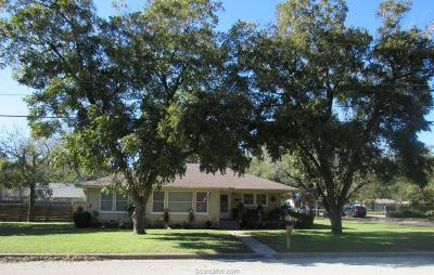 Milam County Single Family Home For Sale: 1606 North Harding Avenue