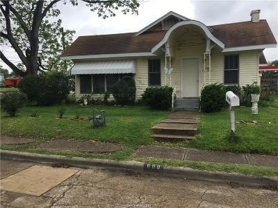 Bryan Single Family Home For Sale: 800 North Houston