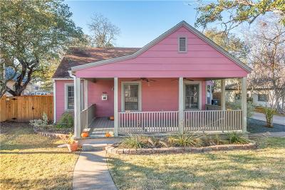 College Station Single Family Home For Sale: 405 Walton Drive