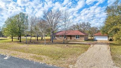 College Station Single Family Home For Sale: 2105 Fairfax