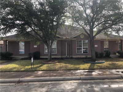 Rental For Rent: 910 Willow Pond Street