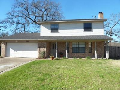College Station Single Family Home For Sale: 2810 Jennifer Drive