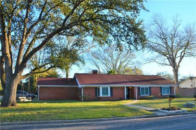 Navasota Single Family Home For Sale: 914 Gibbs Street