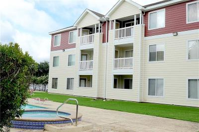 College Station Condo/Townhouse For Sale: 527 Southwest Parkway #102