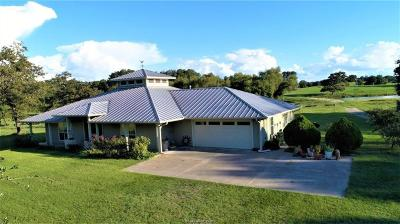 Burleson County Single Family Home For Sale: 3352 County Road 332 (98 Acres)