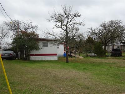 Burleson County Single Family Home For Sale: 422 Leaning Oak Lane