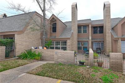 Bryan Condo/Townhouse For Sale: 3122 Camelot Drive #23