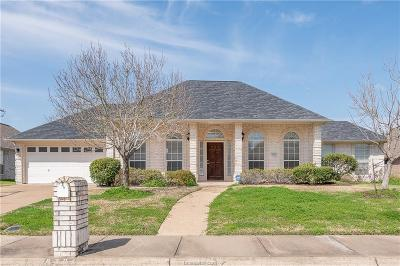 College Station Single Family Home For Sale: 8304 Shadow Oaks