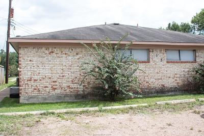 Brazos County Multi Family Home For Sale: 206 Lynn Drive