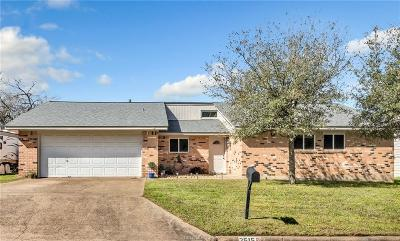 Bryan Single Family Home For Sale: 2515 Whispering Oaks Circle