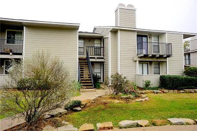 College Station Condo/Townhouse For Sale: 1901 Holleman #308