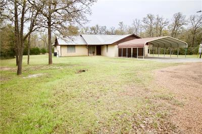 Burleson County Single Family Home For Sale: 325 Ripple Creek Ln E