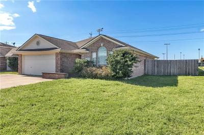 College Station Single Family Home For Sale: 919 Bougainvillea Street
