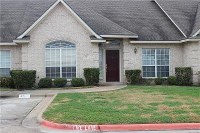 College Station Condo/Townhouse For Sale: 211 Navarro Drive