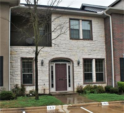 College Station Condo/Townhouse For Sale: 163 Forest Drive