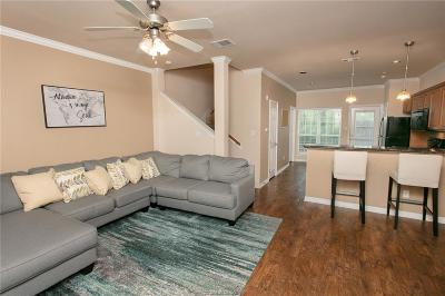 College Station Condo/Townhouse For Sale: 305 Holleman Drive #1604