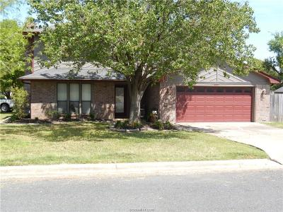 College Station Single Family Home For Sale: 8901 Driftwood Drive