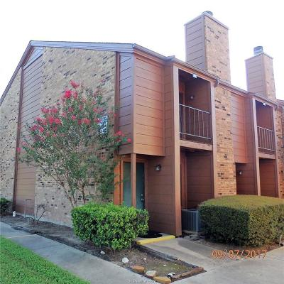College Station Condo/Townhouse For Sale: 904 University Oaks #48