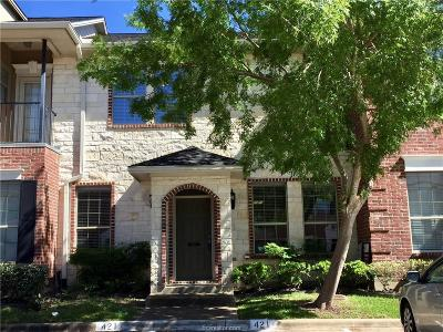 College Station Condo/Townhouse For Sale: 421 Forest Drive
