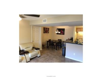 College Station Condo/Townhouse For Sale: 904 University Oaks Boulevard #107