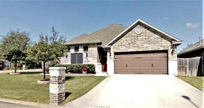 College Station Single Family Home For Sale: 2320 Carisbrooke