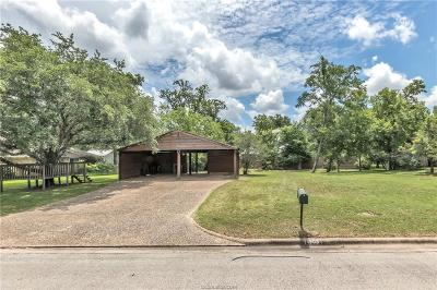 College Station Single Family Home For Sale: 1903 Bee Creek Drive