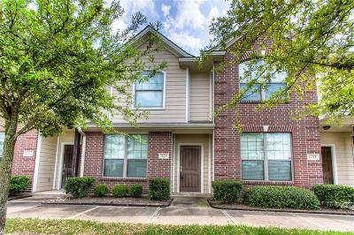 College Station Condo/Townhouse For Sale: 1000 Spring Loop #1104