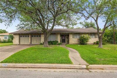Bryan Single Family Home For Sale: 302 Brookside Drive