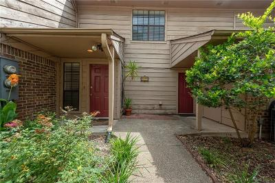 Bryan Condo/Townhouse For Sale: 2837 Oakside Drive