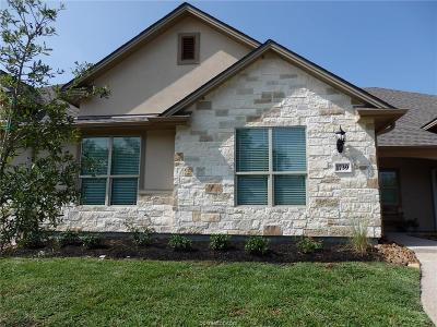College Station Condo/Townhouse For Sale: 1739 Summit Crossing Lane