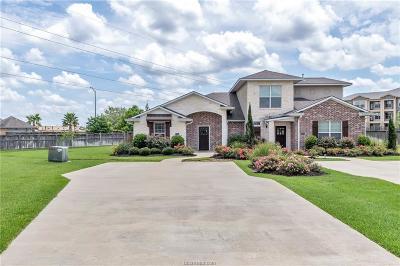 College Station Condo/Townhouse For Sale: 4323 Dawn Lynn Drive