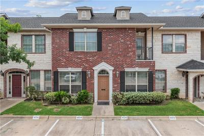 College Station Condo/Townhouse For Sale: 404 Forest Drive #404