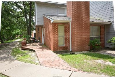 College Station Condo/Townhouse For Sale: 1501 Stallings Drive #40