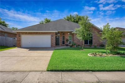 College Station Single Family Home For Sale: 1104 Petersburg Court
