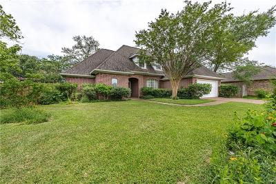 College Station Single Family Home For Sale: 712 Encinas Place