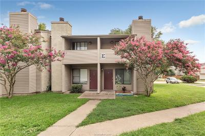 College Station Condo/Townhouse For Sale: 1900 Dartmouth Street #E4