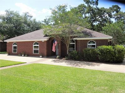 Single Family Home For Sale: 1303 Deacon Drive