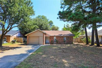 Brazos County Single Family Home For Sale: 3211 Heatherwood Drive